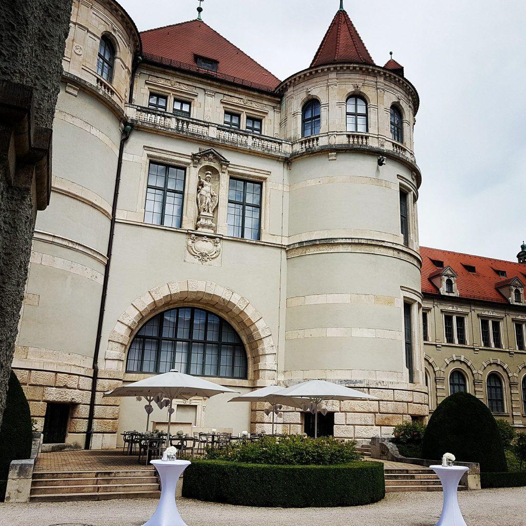 Bayerisches Nationalmuseum München, Hochzeitsdekoration, Tischdekoration, Brautstrauß, Dekorationskonzepte, Das blühende Atelier