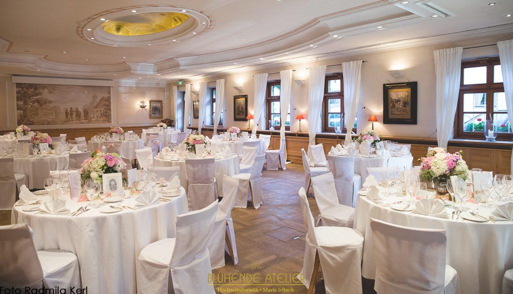 Brauereigasthof Aying, Hochzeitsdekoration, Tischdekoration, Brautstrauß, Dekorationskonzepte, Das blühende Atelier