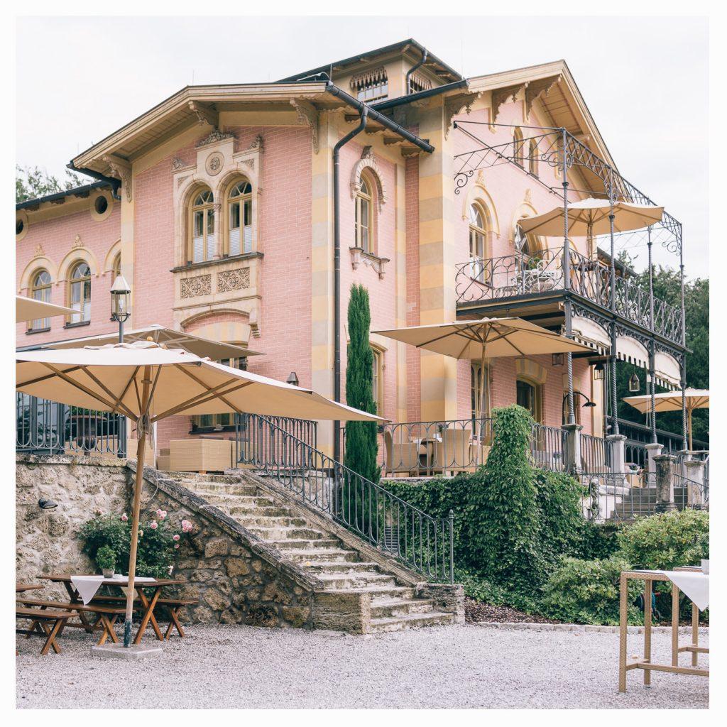 La Villa Niederpöcking, Starnberger See, Hochzeitsdekoration, Tischdekoration, Brautstrauß, Dekorationskonzepte, Das blühende Atelier