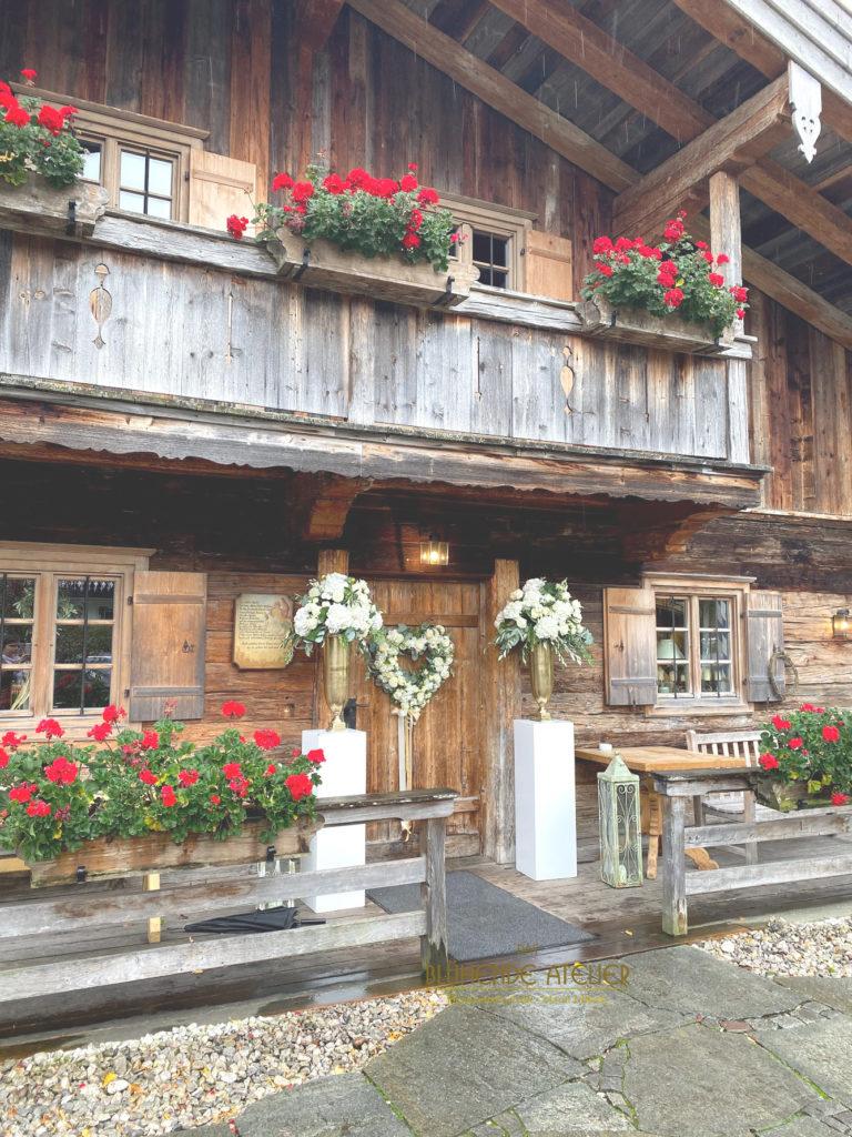 Egener Alm, Tegernsee, Hochzeitsdekoration, Tischdekoration, Brautstrauß, Dekorationskonzepte